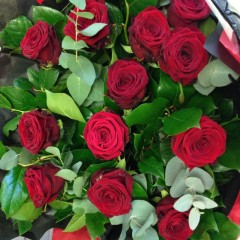 long stemmed red rose hand-tied bouquet