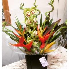 truly tropical bouquet