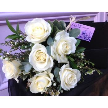Charming Romance Short Stemmed Cream or Pink Rose Posy