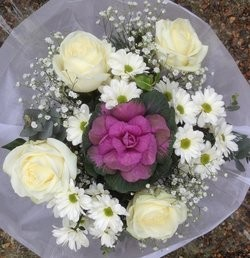 LUXE Design of the Month - Luxury White Posy