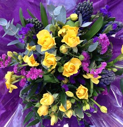 LUXE Design of the week - Spray Rose & Hyacinth Hand Tied Posy